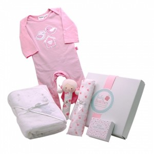 {focus_keyword} Special baby hamper delivery for Chloe... products 256 1 large