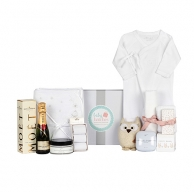 Winter Deluxe Baby Shower Hamper